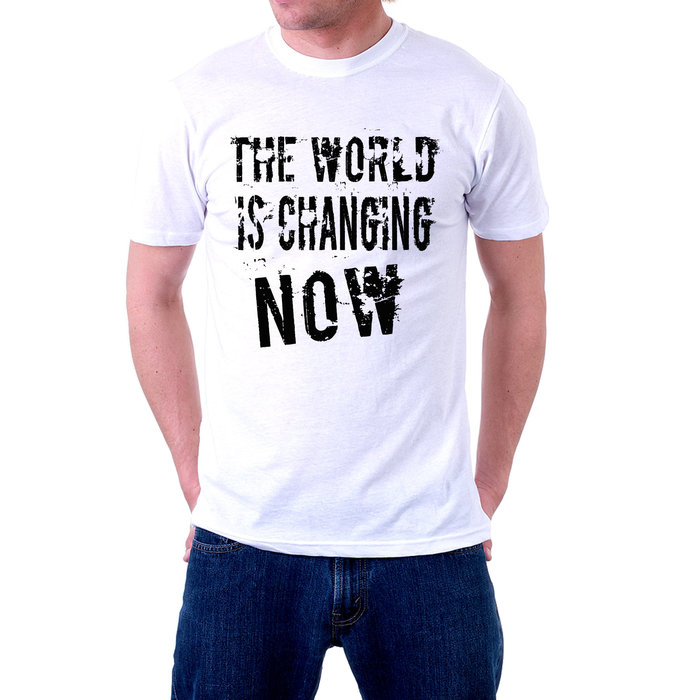 тениска COVID - 19 с надпис - the world is changing now